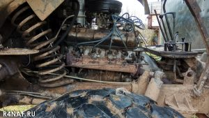 Engine compartment and engine of GAZ-66